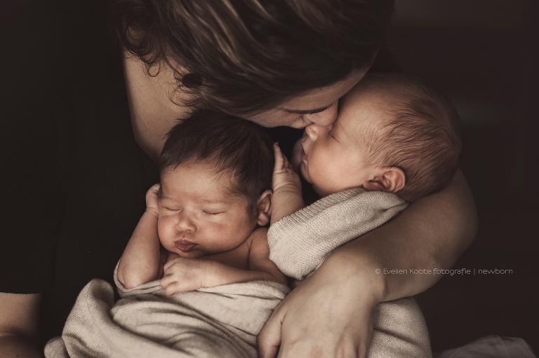 Lifestyle newborn fotografie Ochten - Love & Little fotografie - Evelien Koote